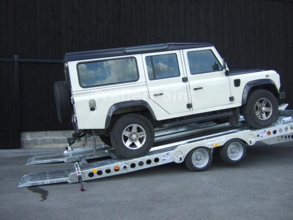 IFOR WILLIAMS – CT177 mit Jeep