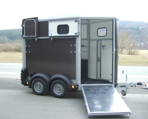 Pferdeanhänger HB 403
